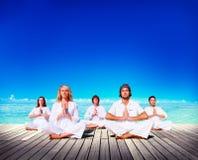 Conceito de madeira da prancha do abrandamento da meditação da ioga imagem de stock