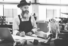 Conceito de Occupation Craftsmanship Carpentry do trabalhador manual foto de stock