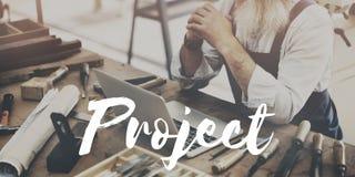 Conceito de projeto Crafting de trabalho do projeto do homem fotografia de stock