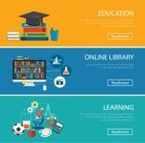 Conceito de projeto liso para a educação, biblioteca em linha, aprendendo Fotos de Stock