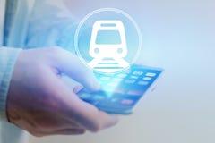 Conceito de registrar o bilhete de trem em linha - conceito do curso imagens de stock royalty free