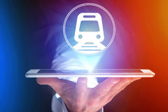 Conceito de registrar o bilhete de trem em linha - conceito do curso foto de stock