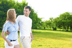 Conceito de Rellationships OU caucasiano feliz nova dos pares junto Imagem de Stock