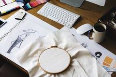 Conceito de Sketch Drawing Costume do desenhador de moda Imagem de Stock