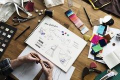 Conceito de Sketch Drawing Costume do desenhador de moda Imagens de Stock
