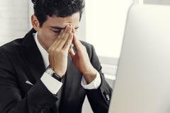 Conceito de Stress Hands Gesture do homem de negócios fotos de stock