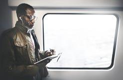 Conceito de Travel Commuter Ideas do homem de negócios do journalista fotos de stock royalty free