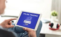 Conceito de troca em linha em uma tabuleta fotografia de stock royalty free