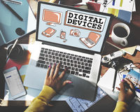 Conceito de uma comunicação da conexão da eletrônica de dispositivos de Digitas fotos de stock royalty free