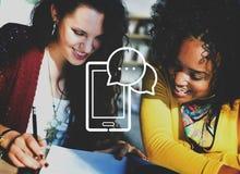 Conceito de uma comunicação da conexão a Internet dos dispositivos de Digitas foto de stock