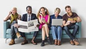 Conceito de uma comunicação do estilo de vida do grupo de pessoas da diversidade fotografia de stock royalty free