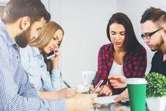 Conceito de uma comunicação e dos trabalhos de equipa Imagem de Stock Royalty Free