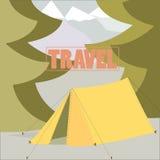 Conceito de viagem de acampamento da barraca no plano Imagem de Stock Royalty Free