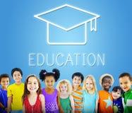 Conceito do ícone do sucesso da educação da placa do almofariz foto de stock royalty free