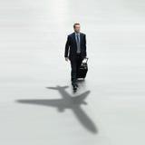 Conceito do aeroporto internacional do curso do homem de negócio Fotos de Stock Royalty Free