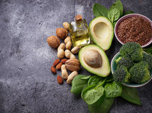 Conceito do alimento saudável Fontes da gordura do vegetariano fotos de stock royalty free