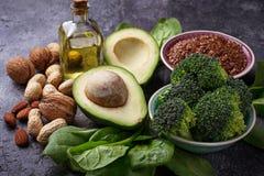 Conceito do alimento saudável Fontes da gordura do vegetariano foto de stock royalty free
