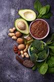 Conceito do alimento saudável Fontes da gordura do vegetariano fotografia de stock royalty free
