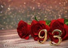 Conceito do aniversário com as rosas vermelhas na mesa de madeira noventa-terceiro 93rd 3d rendem Imagem de Stock