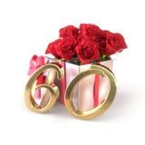 Conceito do aniversário com as rosas vermelhas no presente isolado no fundo branco sixtieth 60th 3d rendem Imagem de Stock