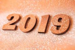 Conceito do ano novo Bandeira do ano novo feliz com ouro 2019 números Fundo criativo 2019 foto de stock royalty free
