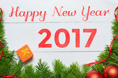 Conceito 2017 do ano novo feliz Decoração da árvore de abeto Fotos de Stock Royalty Free