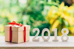 Conceito do ano novo para 2018: A madeira numera 2018 no tampo da mesa de madeira Fotos de Stock Royalty Free