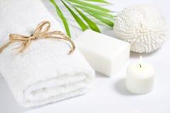 Conceito do banho dos termas de toalha e de esponja Imagem de Stock