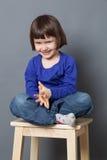 Conceito do bem estar da criança para rir a criança pré-escolar imagem de stock royalty free