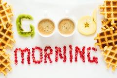 Conceito do bom dia Palavras do ` do bom dia do ` apresentadas com partes de sementes do fruto e da romã fotos de stock