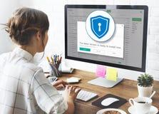 Conceito do cuidado da segurança da proteção do alerta do Antivirus do guarda-fogo foto de stock