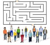 Conceito do desafio de Maze Puzzle Strategy Direction Strategy Imagens de Stock