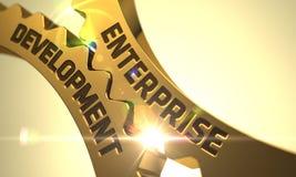Conceito do desenvolvimento da empresa Engrenagens metálicas douradas 3d Foto de Stock Royalty Free