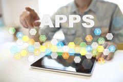 Conceito do desenvolvimento de Apps Conceito da tecnologia do negócio e do Internet imagens de stock royalty free