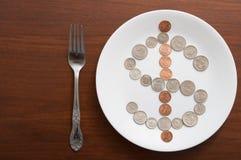 Conceito do dinheiro da placa do alimento Fotos de Stock Royalty Free