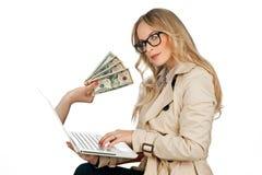 Conceito do dinheiro do Internet imagens de stock royalty free