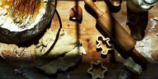 Conceito do divertimento da padaria da criança das cookies do cozimento Fotos de Stock