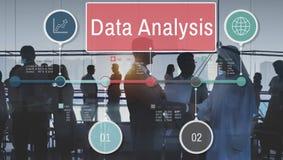 Conceito do estudo dos detalhes dos fatos da análise de dados ilustração do vetor