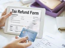 Conceito do formulário de inscrição do reembolso de imposto foto de stock royalty free