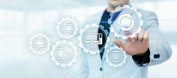 Conceito do Internet da tecnologia do negócio da elevação do programa informático do software da atualização foto de stock