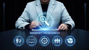 Conceito do Internet da tecnologia do negócio da estratégia de marketing dos estudos de mercado imagens de stock
