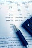 Conceito do investimento, informe anual dos suportes de parte Imagens de Stock Royalty Free