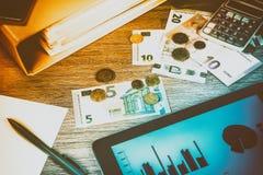 Conceito do negócio com o close up do lugar de trabalho Finanças e engodo do orçamento Foto de Stock Royalty Free