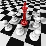 Conceito do negócio da liderança com o rei e os penhores de vidro vermelhos da xadrez Imagens de Stock