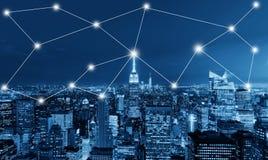 Conceito do negócio global e da conexão de rede em New York City fotografia de stock