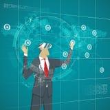 Conceito do negócio Homem de negócios que veste os vidros miliampère da realidade virtual Imagens de Stock