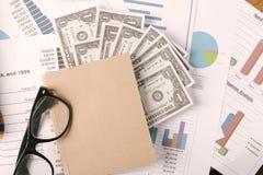 Conceito do negócio, relatório da análise do gráfico de negócio Contabilidade, dinheiro, cor de tom Imagens de Stock Royalty Free