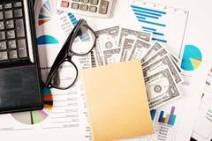 Conceito do negócio, relatório da análise do gráfico de negócio Contabilidade, dinheiro, cor de tom Imagem de Stock