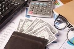 Conceito do negócio, relatório da análise do gráfico de negócio Contabilidade, dinheiro, cor de tom Imagens de Stock