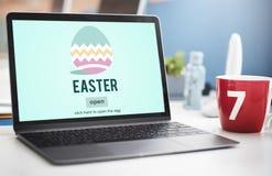 Conceito do ovo de Bunny Rabbit Spring Season Tradition da Páscoa Fotos de Stock